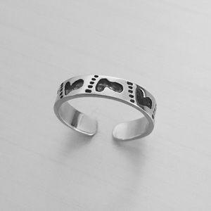 Sterling Silver Footprints 👣 Toe Ring